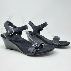 Vionic Noble Laurie Leather Orthaheel Wedge